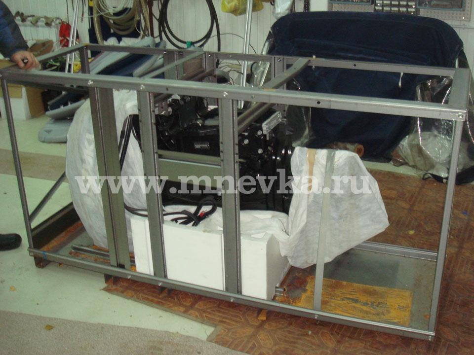В стандартную комплектация подвесного лодочного мотора Suzuku DF-50 входят: инструкция по эксплуатации, гребной винт...