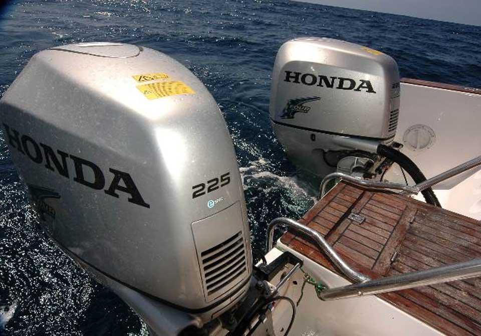 фото лодочные моторы хонда 50