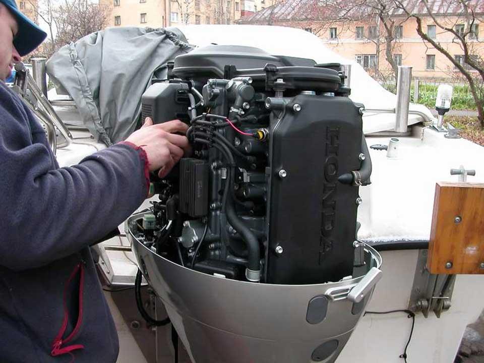 Ремонт лодочных моторов хонда 50 своими руками